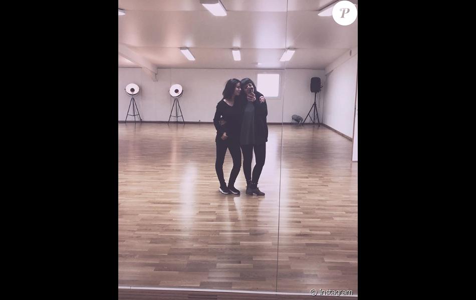 Alizée et sa fille Annily complices à Ajaccio le 14 novembre 2018.