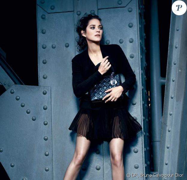 Marion Cotillard sublime dans la campagne Dior