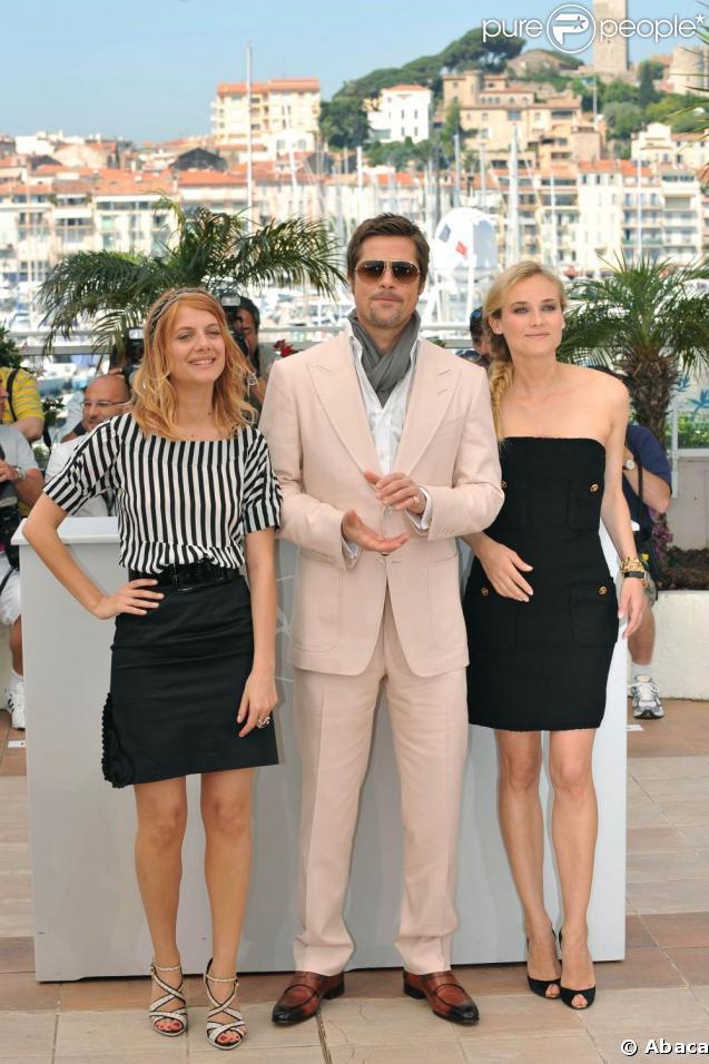 Mélanie Laurent, Brad Pitt et Diane Kruger lors du photocall du film  Inglourious Basterds .
