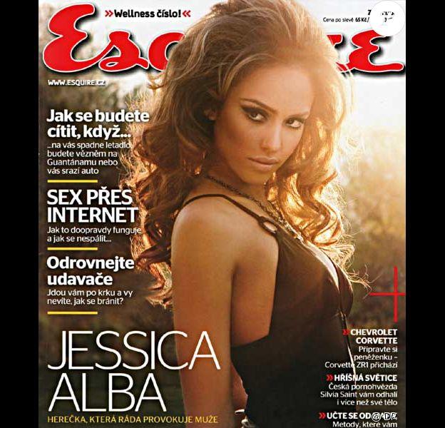 Jessica Alba en couverture d'Esquire en 2008
