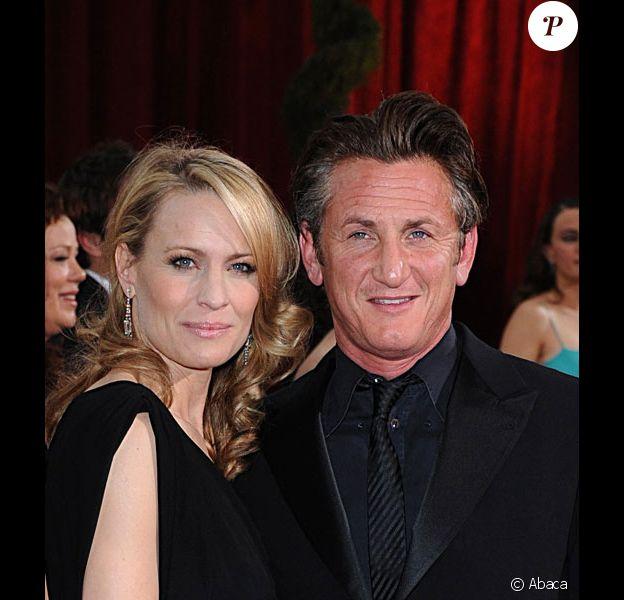 Sean Penn et Robin Wright arrivent sur le tapis rouge des Oscars 2009 à Los Angeles