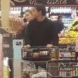 Exclusif - Amber Heard et Vito Schnabel font des courses à Los Angeles le 21 décembre 2018.