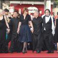 Laetitia Casta, Kang Sheng Lee, Fanny Ardant, Tsai Ming Liang et Jean-Pierre Léaud lors de la montée des marches précédant la projection de Visage le 23 mai 2009 durant le 62e Festival de Cannes