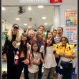 Laeticia Hallyday et ses filles Jade et Joy étaient bien entourées pour les fêtes d'année. Elles ont passé Noël et le jour de l'an au Vietnam avec Hélène Darroze (et ses filles Quitterie et Charlotte), Sébastien Farran, sa compagne Nadège Winter et leurs enfants Téo et Lola. Janvier 2019.
