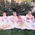 Les bébés Kardashian font sensation sur les réseaux sociaux ! 2018.