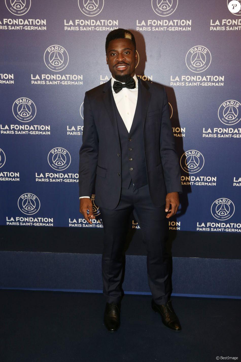 Exclusif - Serge Aurier - Dîner de gala au profit de la Fondation PSG au Parc des Princes à Paris le 16 mai 2017. © Rachid Bellak/Bestimage