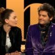 """Matthieu Chedid (M) et sa fille Billie interprètent """"Massaï"""", extrait de l'album """"Lettre infinie"""", dans l'émission de Laurent Delahousse """"20h30 le dimanche"""", le 27 janvier 2019."""