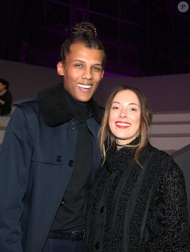 """Stromae et sa femme Coralie Barbier au défilé """"Victoria's Secret Paris 2016"""" au Grand Palais à Paris, le 30 novembre 2016. © Denis Guignebourg/Bestimage"""