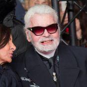 Mort de Karl Lagerfeld : Costume et lunettes sombres, l'uniforme d'une légende