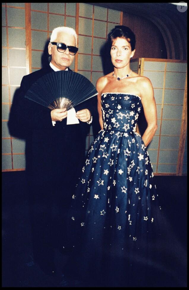 Karl Lagerfeld et la princesse Caroline de de Monaco en août 1996 au Bal de la Croix-Rouge.