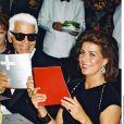 Karl Lagerfeld et la princesse Caroline de Hanovre (Caroline de Monaco) en août 2001 lors du Bal de la Croix-Rouge.
