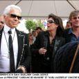 Karl Lagerfeld avec la princesse Caroline de Hanovre (Caroline de Monaco) et le prince Ernst August de Hanovre en mai 2004 à Bayonne pour un concert d'Elton John.