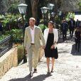 Le prince Harry, duc de Sussex, et Meghan Markle, duchesse de Sussex, enceinte, rencontrent des artisans marocains dans un parc avec des plantes exotique à Rabat, Maroc le 25 février 2019.