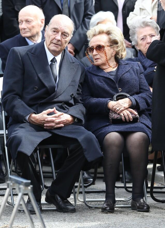 Jacques et Bernadette Chirac - Obseques de Antoine Veil au cimetiere du Montparnasse a Paris. Le 15 avril 2013.