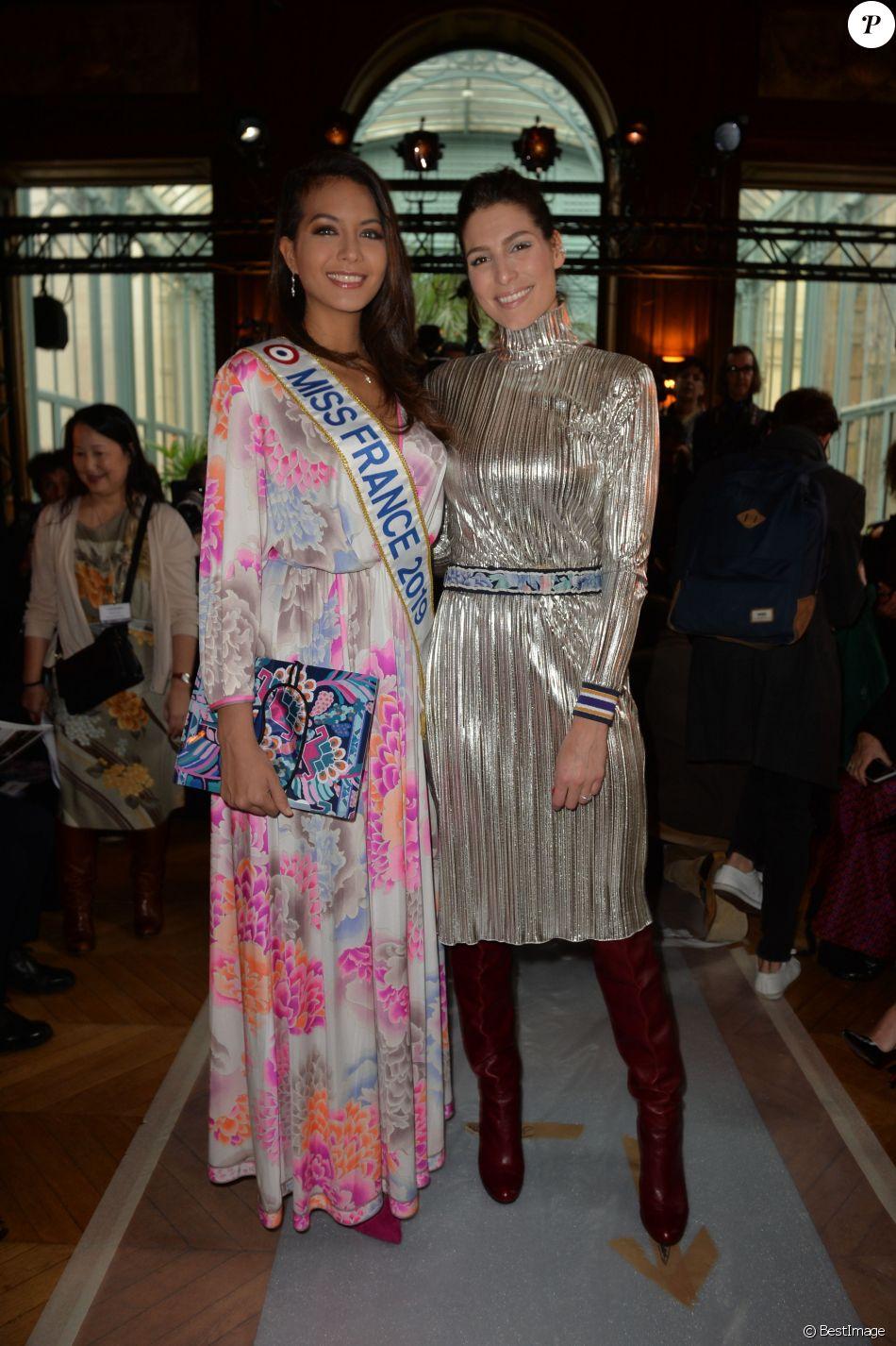 """Vaimalama Chaves, Miss France 2019, et Laury Thilleman - People au défilé de mode Prêt-à-Porter automne-hiver 2019/2020 """"Léonard Paris"""" à Paris. Le 1er mars 2019 © Veeren-CVS / Bestimage"""