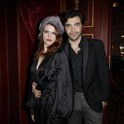 Elodie Frégé: Kimono satiné et lingerie pour une soirée avec son beau Gian Marco