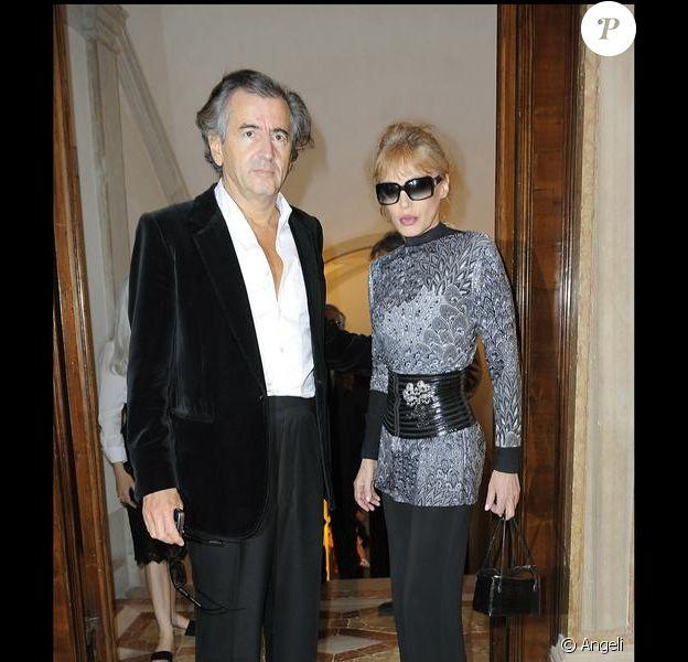 Bernard-Henri Levy et Arielle Dombasle lors du cocktail Benetton de la Biennale de Venise le 4 juin 2009