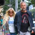 Jessica Simpson et son mari Eric Johnson se baladent en amoureux dans les rues de New York, le 1er août 2018