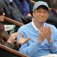 Bill Gates et une belle inconnue à Roland-Garros, le 6 juin 2009 pour la finale femmes opposant les russes Svetlana Kuznetsova et Dinara Safina.