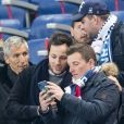 Nagui et le chanteur Vianney (Vianney Bureau) - People assistent au match des éliminatoires de l'Euro 2020 entre la France et l'Islande au Stade de France à Saint-Denis le 25 mars 2019. La france a remporté le match sur le score de 4-0.