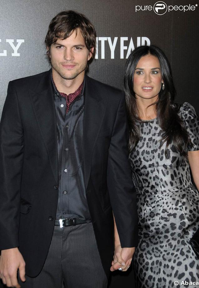 http://static1.purepeople.com/articles/4/32/97/4/@/227654-ashton-kutcher-et-demi-moore-637x0-2.jpg
