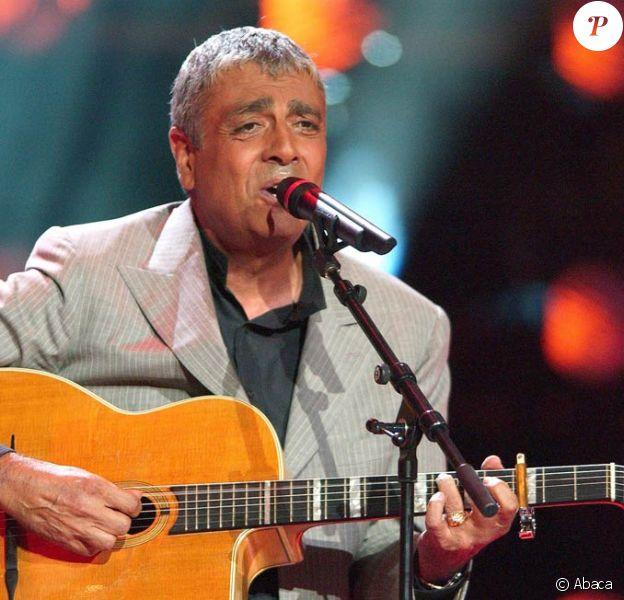 Enrico Macias revient sur scène
