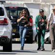 """Semi Exclusif - Laeticia Hallyday est allée déjeuner au restaurant français """"Ladurée Beverly Hills"""" en compagnie de sa mère Françoise Thibault et une amie Elodie Piège à Los Angeles le 15 mars 2019."""
