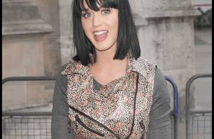 Les sexy Katy Perry et Lulu Guinness... concours de looks complètement dingues !