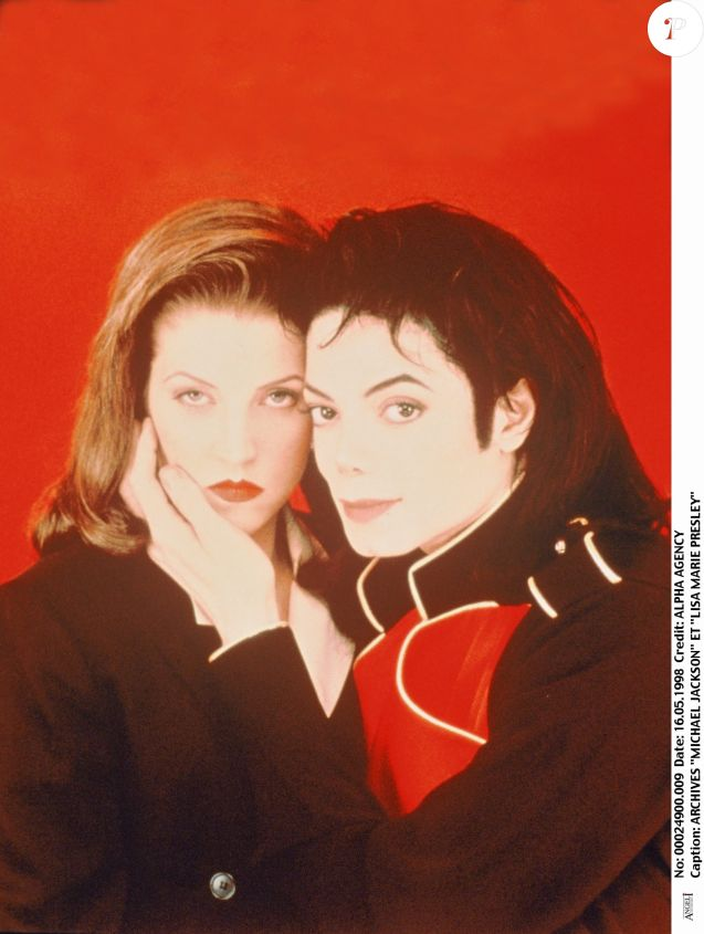 Michael Jackson et Lisa Marie Presley, le 6 mai 1998.