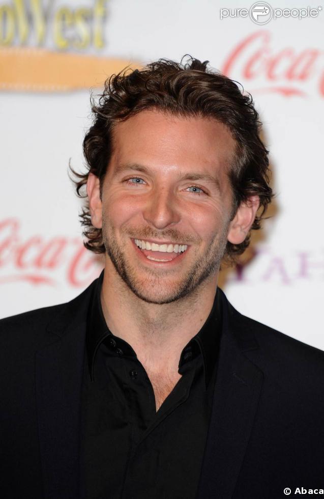 Bradley Cooper - Wallpaper Actress