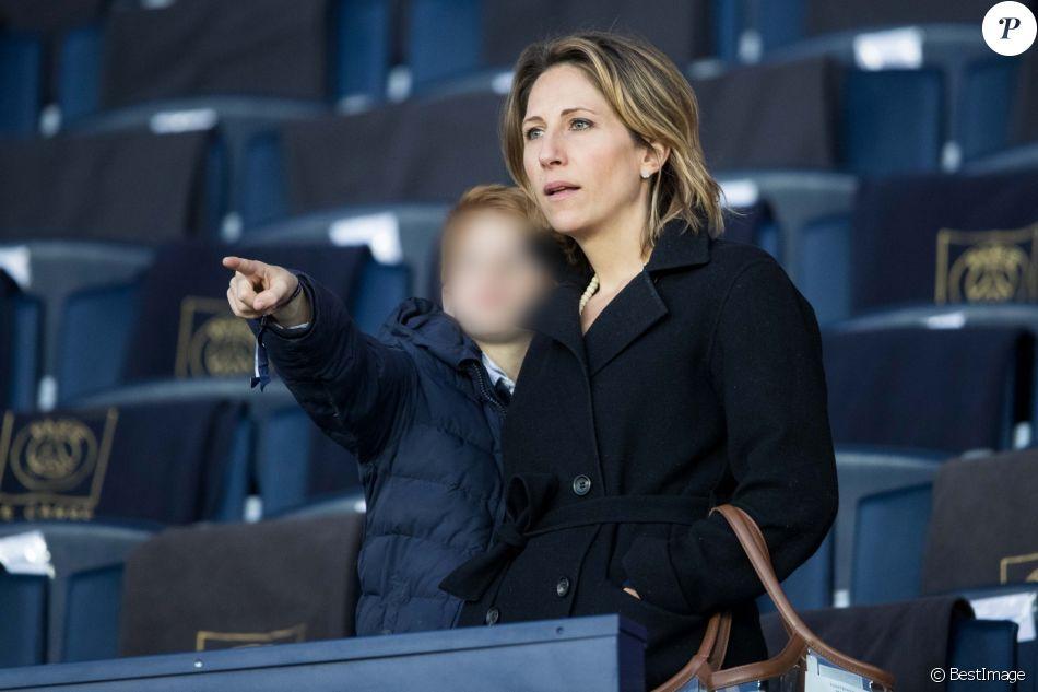 Maud Fontenoy et son fils Mahe - Célébrités dans les tribunes du parc des princes lors du match de football de ligue 1, Paris Saint-Germain (PSG) contre Strasbourg à Paris le 7 avril 2019. Le match s'est soldé par un match nul 2-2.