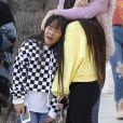 Laeticia Hallyday est allée déjeuner avec ses filles Jade et Joy, sa mère Françoise Thibault et la compagne de son frère, Maryline Issartier au restaurant Ivy à Santa Monica le 9 mars 2019.