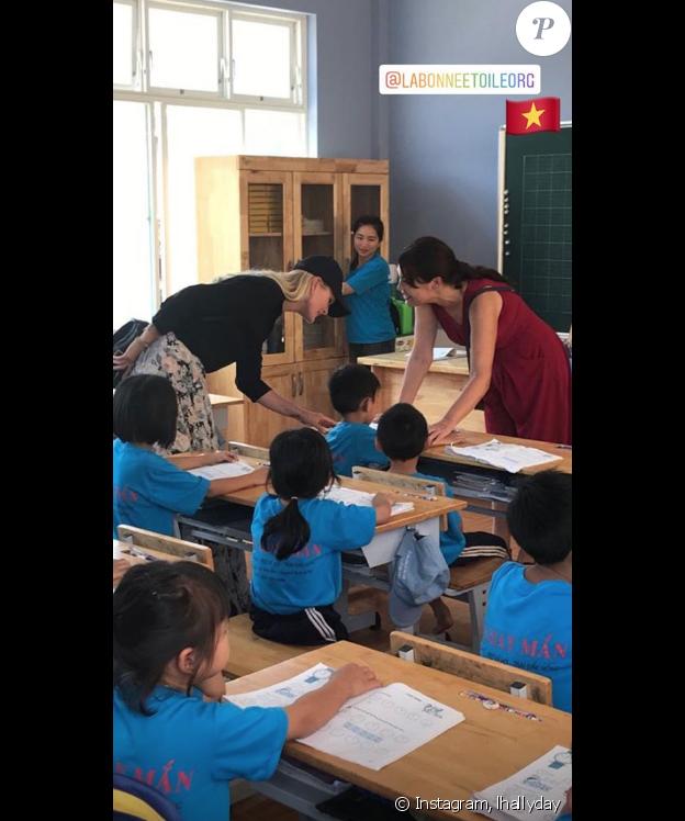 Laeticia Hallyday sur Instagram, le 17 avril 2019. Voyage au Vietnam avec Jade et Joy.