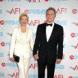 Annette Bening et son mari Warren Beatty à la soirée AFI donnée en l'honneur de Michael Douglas... So chic !
