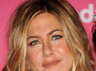 Jennifer Aniston : décolleté ravageur et gambettes à l'air... lors d'une soirée à Los Angeles !