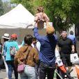 Hayden Christensen et son ex Rachel Bilson passent la journée avec leur fille Briar Rose au Farmer's Market à Studio City, Los Angeles, Californie, Etats-Unis, le 5 mai 2019.
