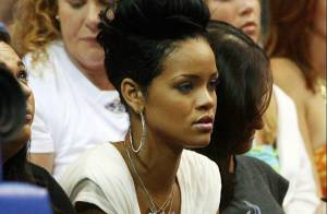 Quand Chris Brown assiste à un match de basket avec Rihanna... ou presque !