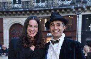 Clotilde Courau glamour face à Nicolas Maury métamorphosé pour une chic soirée