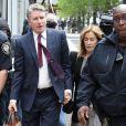 L'actrice américaine Felicity Huffman a plaidé coupable lundi d'avoir versé des pots-de-vin pour faciliter l'entrée de sa fille dans une université prestigieuse à Boston. Devenue vedette mondiale après son passage dans la série Desperate Housewives (2004-2012), Felicity Huffman pourrait échapper à de la prison ferme, alors que le procureur a seulement recommandé 4 mois, loin du maximum de 20 ans prévu par le Code pénal. Le 13 mai 2019
