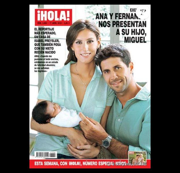 Fernando Verdasco et sa femme Ana Boyer présentent leur fils Miguel en couverture du magazine ¡HOLA!. Avril 2019.