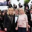 """Julie Gayet et Chantal Ladesou - Montée des marches du film """"Les plus belles années d'une vie"""" lors du 72ème Festival International du Film de Cannes. Le 18 mai 2019 © Jacovides-Moreau / Bestimage"""
