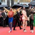 """Illustration danseurs - Montée des marches du film """"Les plus belles années d'une vie"""" lors du 72ème Festival International du Film de Cannes. Le 18 mai 2019 © Jacovides-Moreau / Bestimage"""