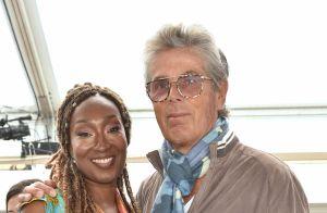 Axelle Laffont pétillante, Stéfi Celma radieuse... un déjeuner de girls à Cannes