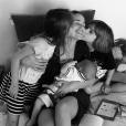 Lucie Lucas avec ses trois enfants - Instagram, 27 mai 2018