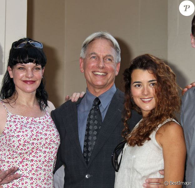 Brian Dietzen, Pauley Perrette, Mark Harmon, Cote de Pablo, Sean Murray - Mark Harmon recoit son etoile sur le Walk Of Fame a Hollywood, le 1er octobre 2012.