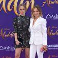 Natasha Bure et Candace Cameron Bure lors de l'avant-première du film Aladdin à Los Angeles le 21 mai 2019