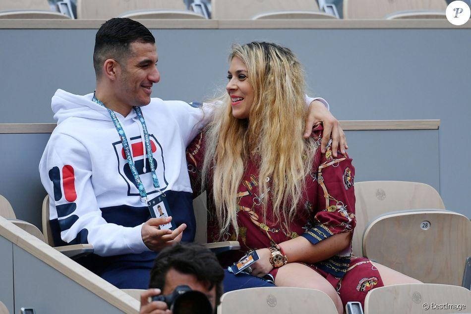 Exclusif - Marion Bartoli et son nouveau compagnon le joueur de football belge Yahya Boumediene s'embrassent dans les tribunes des Internationaux de France de Tennis de Roland Garros à Paris. 22 Mai 2019