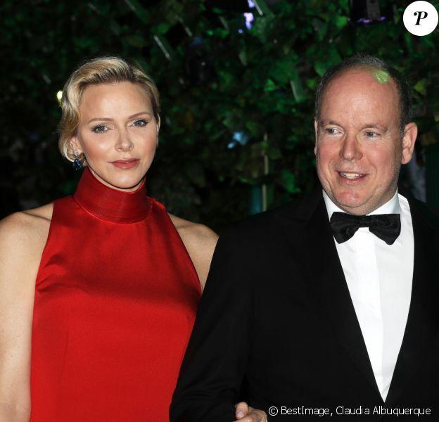 Le prince Albert II de Monaco, la princesse Charlene - Soirée de Gala du 77ème Grand Prix de Formule 1 à Monaco le 26 mai 2019. © Claudia Albuquerque/Bestimage