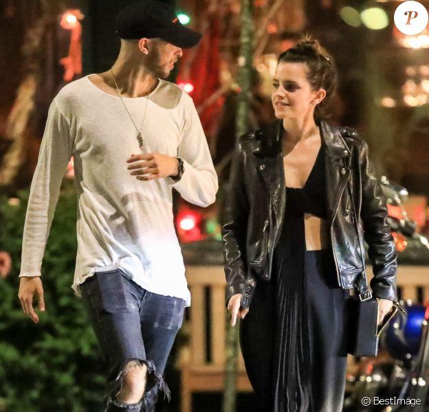 "Exclusif - Emma Watson et Cole Cook (frère d'Alicia Keys) quittent le restaurant ""The Spotted Pig"" à New York, le 21 mai 2019."
