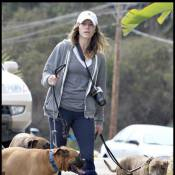 La bombe Jessica Biel est esseulée sans son chéri... elle se rabat sur ses chiens !